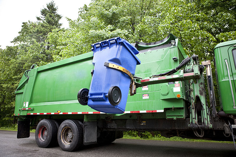 Veolia garbage-truck-with-bin