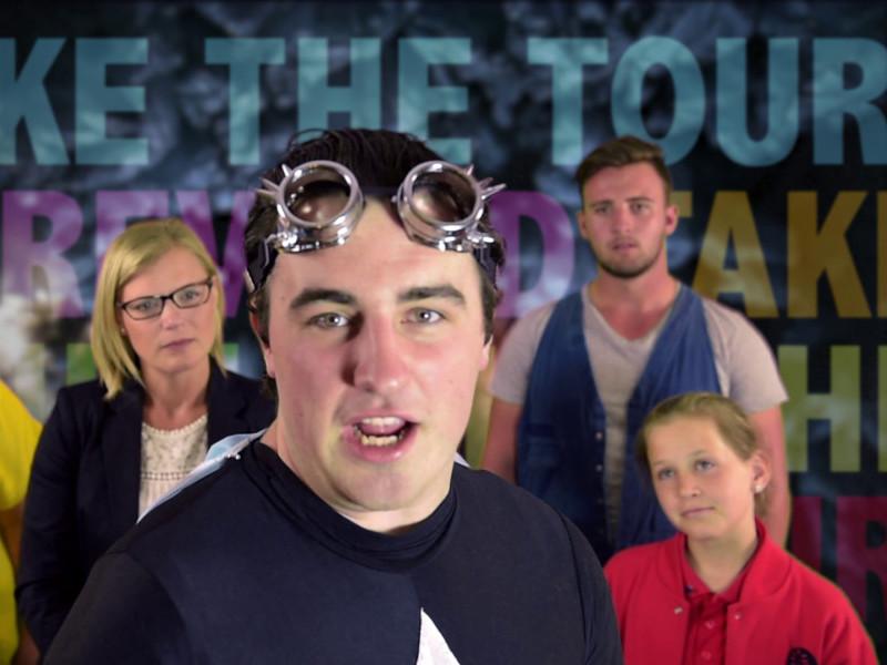 The Captain Replas video