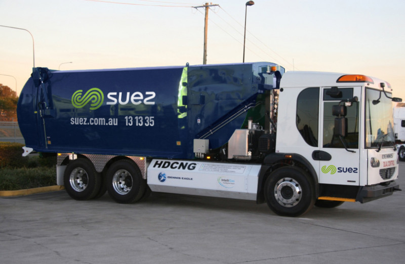 Suez waste collection vehicle