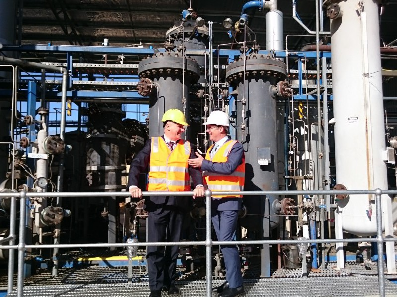 Southern Oil Managing Director Tim Rose (right) with Michael McCormack MP when launching the Wagga Wagga hydrotreater plant in 2015.
