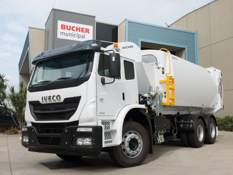 An Iveco ACCO with Bucher Gen V Series II side loader unit