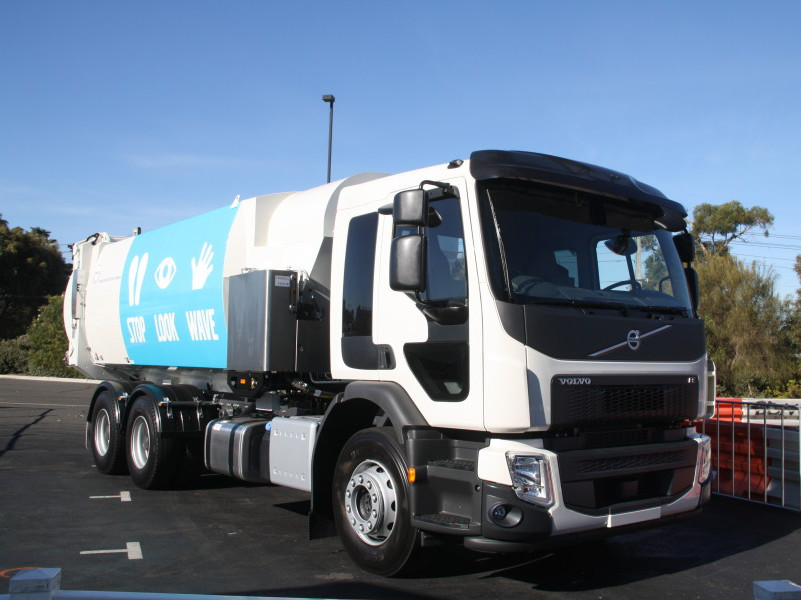 The new Volvo FE dual steer model at waste Management In Action