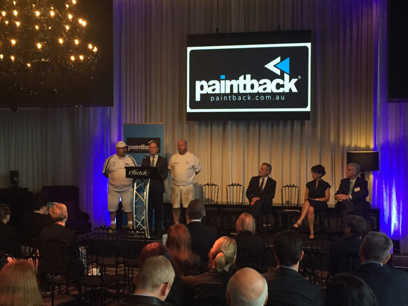 Federal Environment Minister Greg Hunt launches paintback with 2 master painters