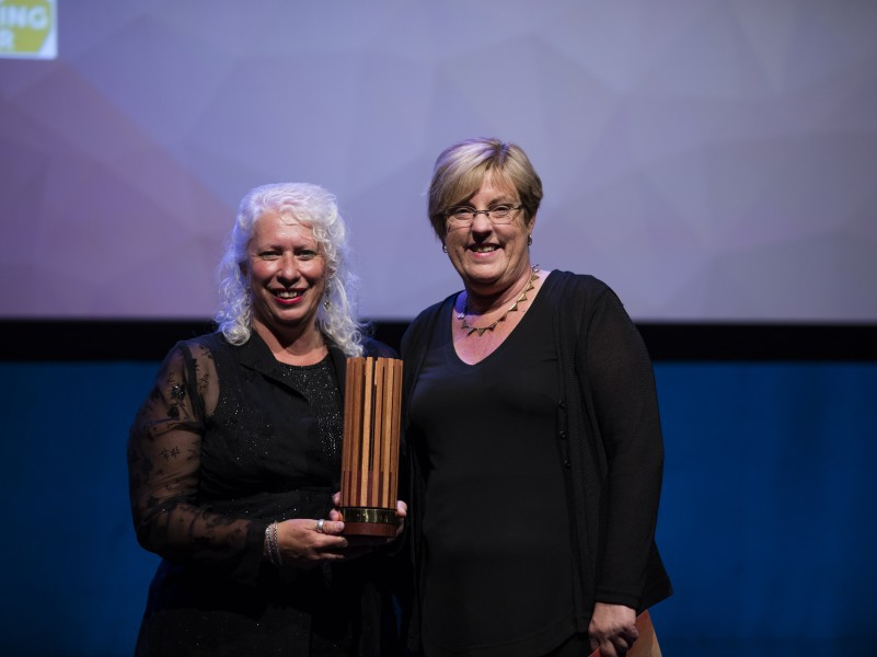 Moira Shire Councillor, Wendy Buck, who accepted the Government Award with the then Minister for Environment, Climate Change and Water Lisa Neville