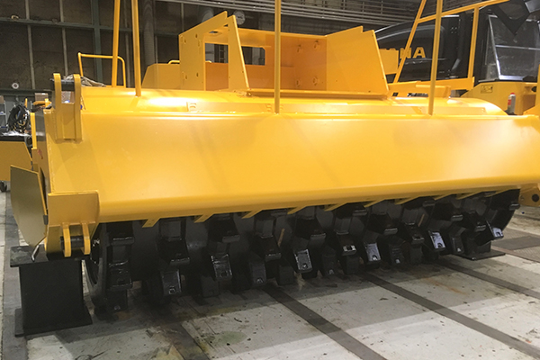 High traction drums for Tana E Series landfill compactor